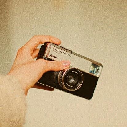 camera, hand, and girl image