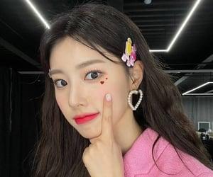 hyewon, izone, and kpop image