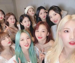 k-pop, girlgroup, and hyunjin image