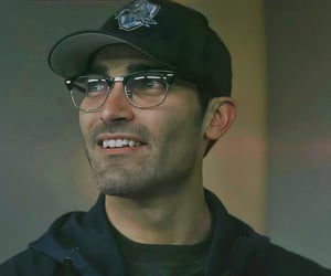 superman, tyler hoechlin, and superman and lois image