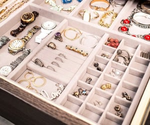 accessories, jewels, and must have image