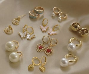 aesthetic, earrings, and gold image