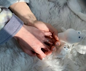 hands and hands couple image