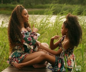 blue ivy, bey, and child image