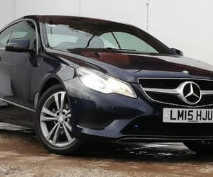 taxi to leeds, airport transfer, and leeds taxi image