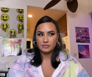 demi lovato, documentary, and Queen image