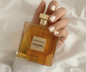 beauty, chanel, and essence image