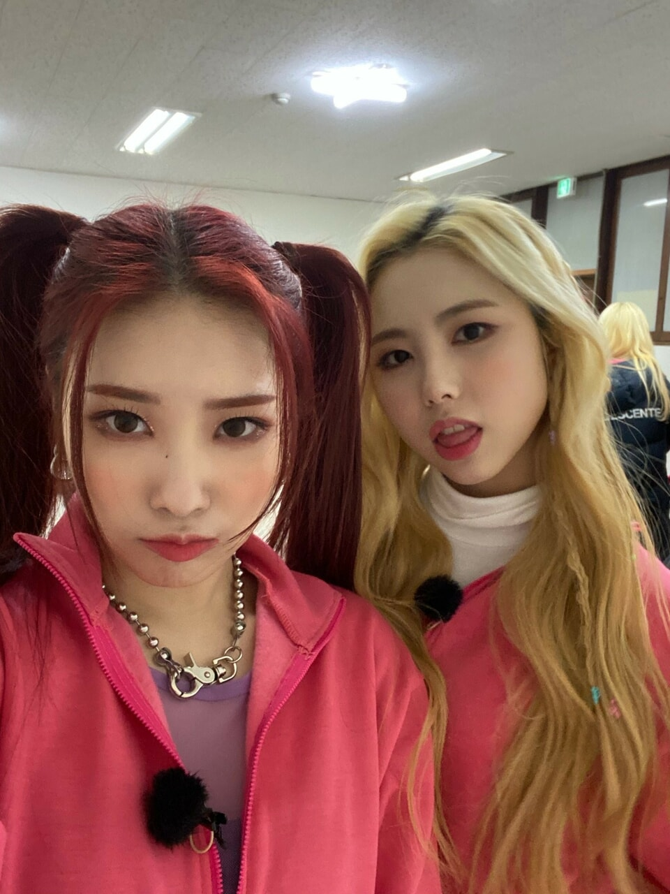 aesthetic, girl group, and icons image