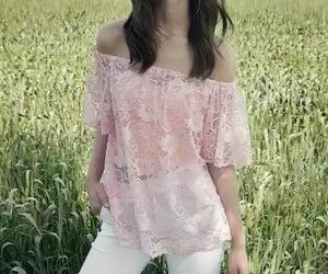 pretty girls and yael shelbia image