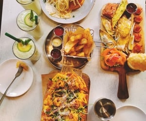 brunch, pasta, and pizza image