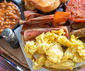 bacon, baked beans, and breakfast image