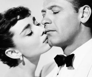 audrey hepburn, blanco y negro, and hollywood image