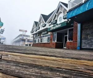 arcade, beach town, and ocmd image