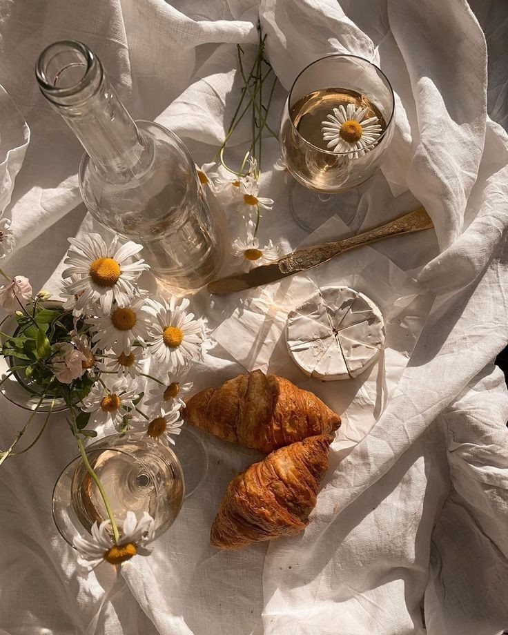 flowers, aesthetic, and croissant image
