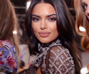 beauty, kendalljenner, and famous image