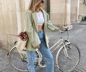 blogger, look, and crop top image