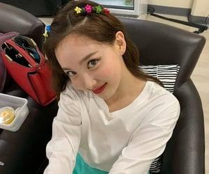 prettiest girl nayeon~