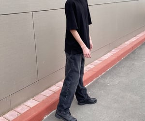 baggy jeans, all black outfit, and baggy clothes image