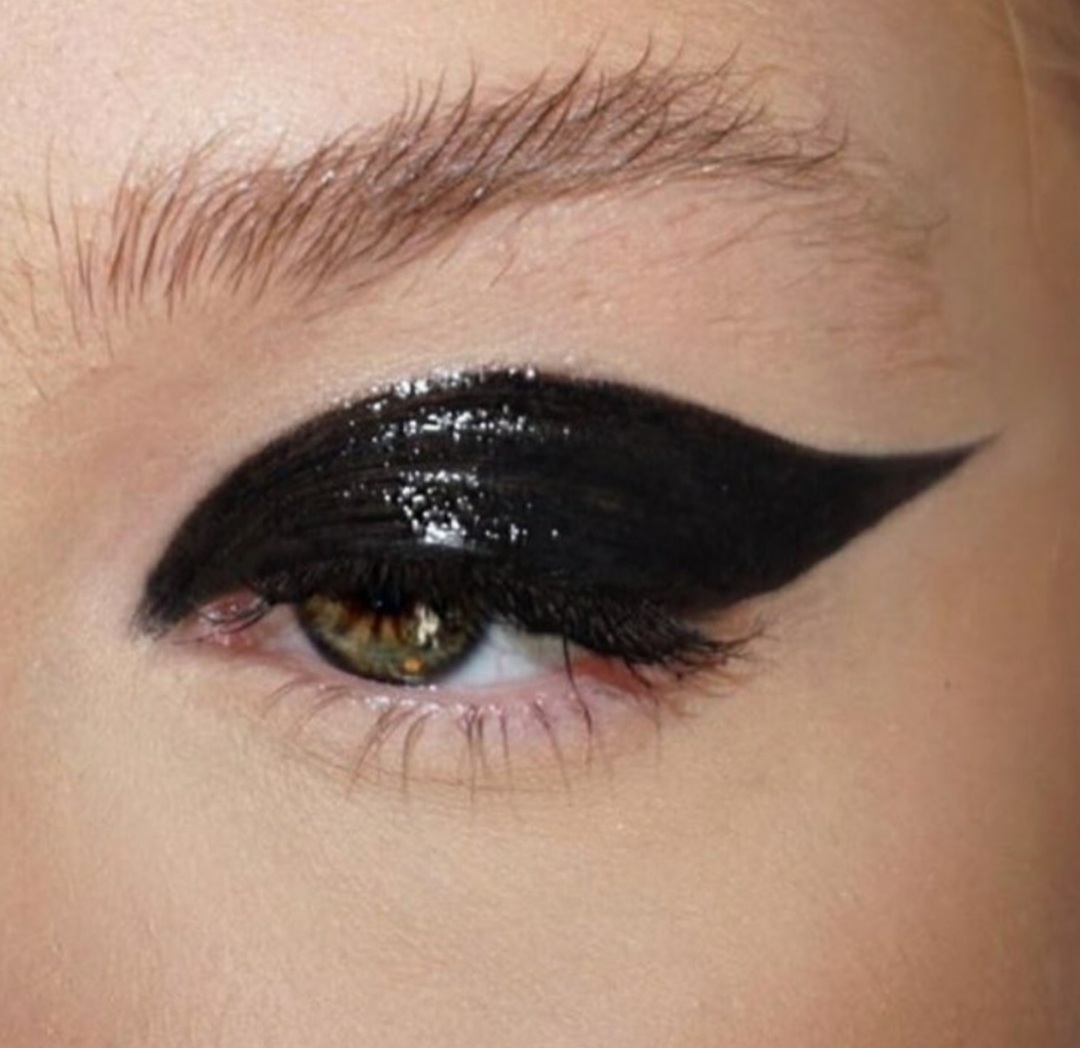 eyeliner, eyeshadow, and lipgloss image