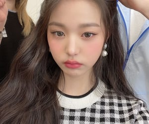 icon, wonyoung, and kpop image