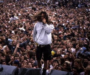 90s, concert, and eddie vedder image