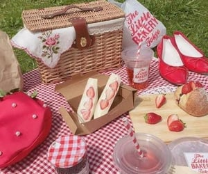 aesthetic, picnic, and strawberry image