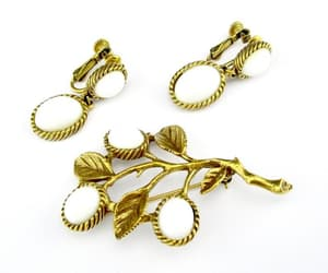 earrings, vintage jewelry sets, and wedding brooch image