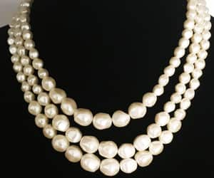 Creamy White 3 Strand Graduated Bead Necklace Classic Vintage image 0