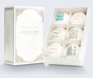 bath bomb boxes and bath bomb packaging image