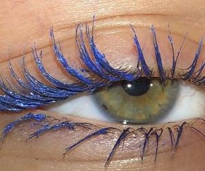 Sparkling blue mascara