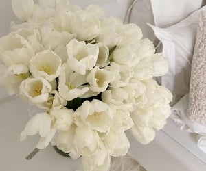 aesthetic, blanco, and flores image