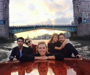 Taylor Swift, gigi hadid, and epic image
