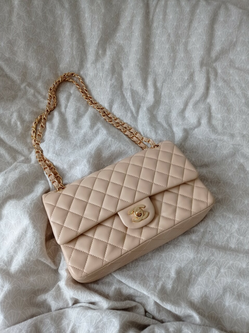 bag, beige, and chanel image