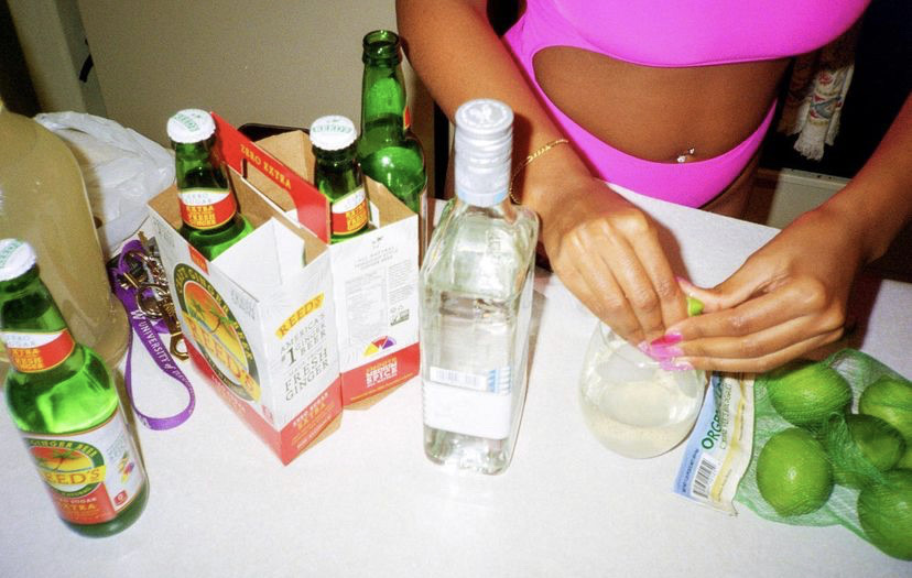 disposable and drink image