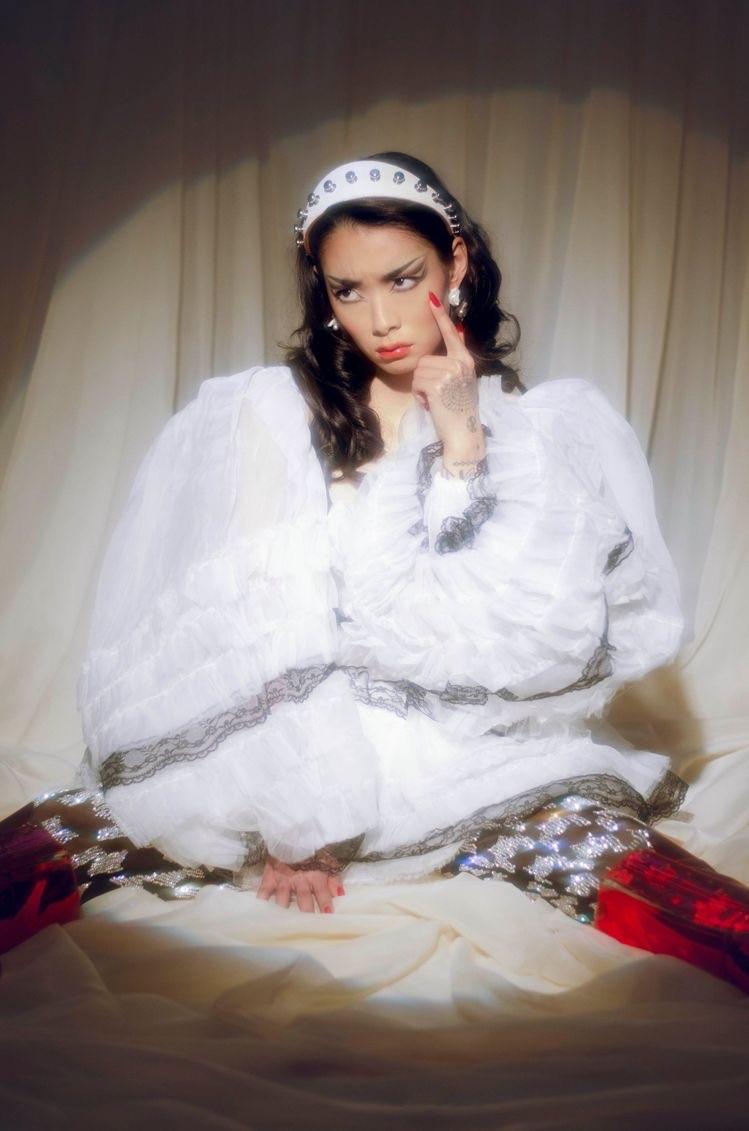 rina sawayama and archive image