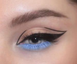eye makeup and eye shadow image