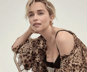 emilia clarke, game of thrones, and a song of ice and fire image