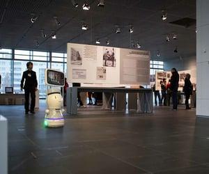 hotel guiding robots image