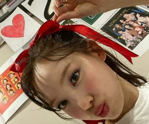 📍 unfiltered Kpop icons ៹  ʭʭ  ⃪  NAYEON TWICE 💭⇄