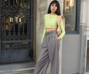 blogger, crop top, and cropped top image