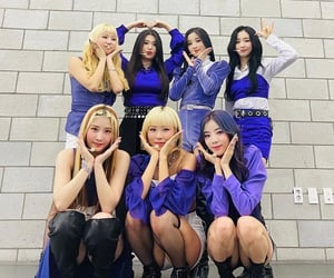 ot7 and purple kiss image