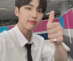 idol, selca, and hongseok image