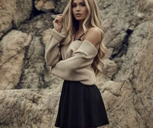 beige, outfits, and skirts image