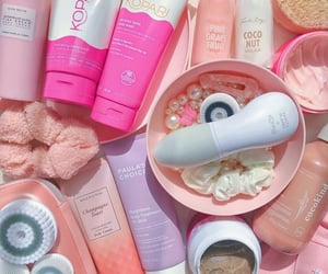 pink, skincare, and kbeauty image