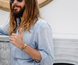 30 seconds to mars, thumbs up, and jared leto image