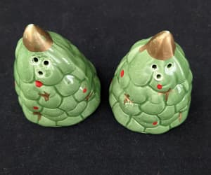 Christmas Tree Salt and Pepper Shakers  Vintage Christmas image 0