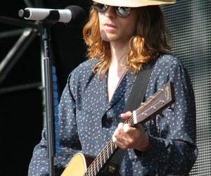 30 seconds to mars, hat, and jared leto image