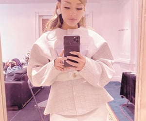 aesthetic, pastel, and ariana image