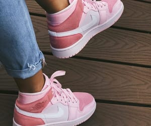 mens shoes, womens shoes, and basketball shoes image
