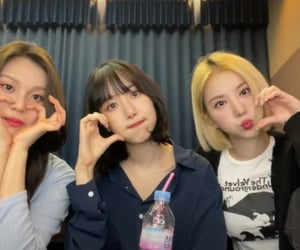 friendship, girlgroups, and girls image